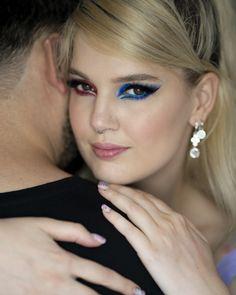 #iMikriOllandeza #MikriOllandeza #makeup #boldmakeup #differenteyemakeuplooks #aesthetic #naturalbrows #septum #septumpiercing #septumring #falselashes #redmakeup #bluemakeup #cateye #cateyemakeup #makeuplook #2020 Cat Eye Makeup, Red Makeup, Makeup Looks, Natural Brows, False Lashes, Septum Ring, Rings, Jewelry, Fashion