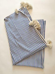Abanja Tuft Minza Blue Throw Blanket