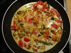 Kürbis meets Pasta, ein tolles Rezept aus der Kategorie Gemüse. Bewertungen: 5. Durchschnitt: Ø 3,9.