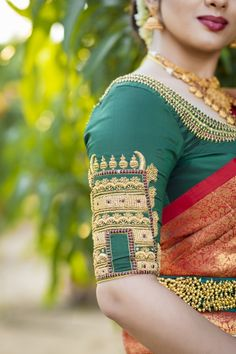 A Temple Blouse Collection With Intricate Architectural Designs & Carvings Wedding Saree Blouse Designs, Sari Blouse Designs, Blouse Patterns, Hand Work Blouse Design, Stylish Blouse Design, Maggam Work Designs, Stitching Dresses, Chennai, Blouses