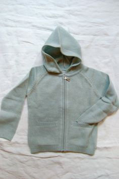 Cashmere Hoodie in Gray, Makie