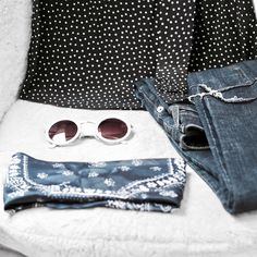minimal outfit details bandana scarf pinspot shirt ripped hem jeans
