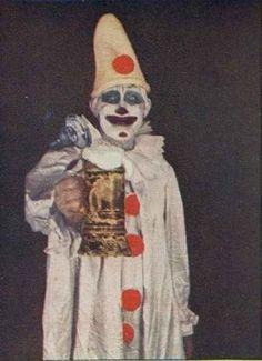 21 Vintage Clown Photos That Will Make Your Skin Crawl | 21 Vintage Clown Photos That Will Make Your Skin Crawl