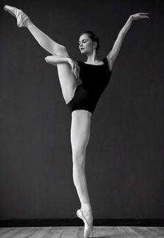 Daria Ionova-Vaganova Ballet Academy-Photo Darian Volkova