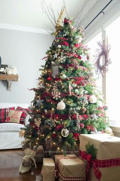 thistlewood farms Craftaholics Anonymous®   Rustic Marquee Christmas Tree http://s.bhome.us/1aKYQBRd via bHome https://bhome.us