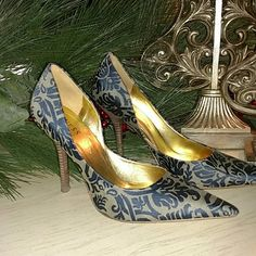 """Guess shoes Gray with navy baroque design. A bit shimmery. 5"""" stacked wood heel.Gorgeous Guess by Marciano Shoes Heels"""