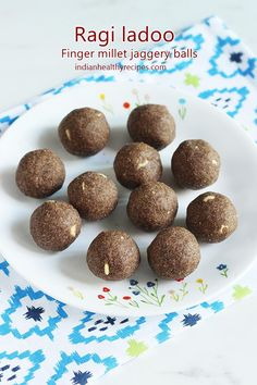 Ragi ladoo or nachni ladoo are nutritious & delicious sweet balls made of finger millet flour, ghee, jaggery, seeds and nuts. Indian Recipes For Kids, Indian Dessert Recipes, Indian Sweets, Lunch Box Recipes, Sweets Recipes, Baby Food Recipes, Snack Recipes, Cooking Recipes, Laddoo Recipe