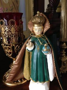 Mary's Infant of Prague before I painted it.