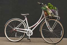 I want to ride my bicycle I want to ride my bikeeee