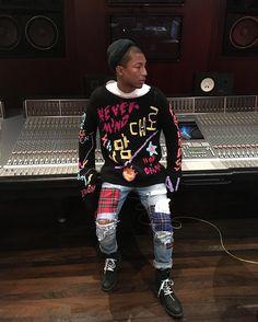 Pharrell Williams ohhhhh THOSE JEANS ❤