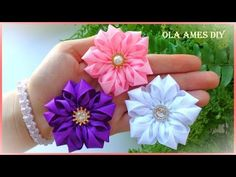 Diy Ribbon Flowers, Zipper Flowers, Organza Flowers, Kanzashi Flowers, Fabric Ribbon, Ribbon Crafts, Felt Flowers, Flower Crafts, Fabric Flowers