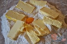 Klasické linecké těsto | NejRecept.cz Christmas Cookies, Sweet Recipes, Food And Drink, Dairy, Cheese, Cooking, Desserts, Basket, Haha