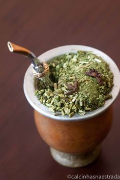 What is Organic Yerba Mate Tea: Benefits, Types and Recipes Rio Grande Do Sul, Gaucho, Brazilian Drink, Yerba Mate Tea, Different Types Of Tea, Brunch, Cafe Menu, Yummy Drinks, How To Dry Basil