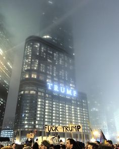 In Chicago, at Trump Tower right now - Imgur