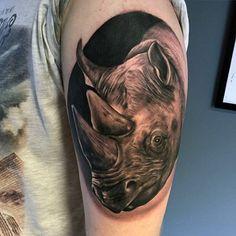 90 Rhino Tattoo Designs For Men - Cool Rhinoceros Ink Ideas Schulterpanzer Tattoo, Rhino Tattoo, Norse Tattoo, Bicep Tattoo, Viking Tattoos, Samoan Tattoo, Polynesian Tattoos, Tattoos Arm Mann, Body Art Tattoos