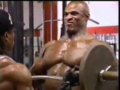 Ronnie Coleman ( 8 Time Mr. Olympia ) Trains Biceps.