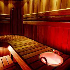 Flotte ryglæn giver din sauna det fuldendte look. Se flere sauna løsninger her www.saunaovn.dk Sauna Ideas, Bathrooms, Bathtub, Home, Standing Bath, Bathtubs, Bathroom, Full Bath, Bath Tube