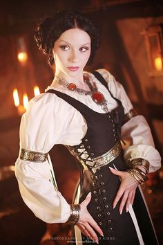 love the colors in this costume, and all of the details - the trim is beautiful!
