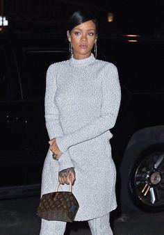 Rihanna Photos - Rihanna Dines At Nobu In NYC - Zimbio