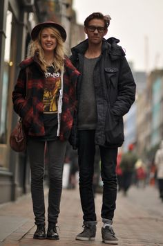 :O cool couple alert! Wow this makes me want to buy a hat