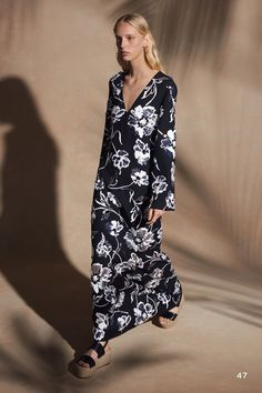 17167999dd05 Michael Kors Collection Resort 2018 Collection Photos - Vogue Spring  Fashion