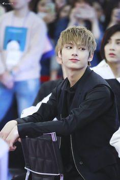 Seventeen's Jun & Jeonghan 💞 © to the owner Woozi, Jeonghan, Wonwoo, The8, Seungkwan, Hip Hop, Shenzhen, K Pop, Banda Kpop