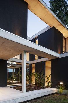 Proyectos - Ezequiel Amado Cattaneo Dream Home Design, House Design, Casa Patio, Concrete Stone, Wood Glass, Exterior Design, Home Projects, Modern Architecture, Modern Farmhouse