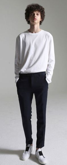 MOST Hellow roll slacks(Navy) 라인감이 돋보이는 기본슬랙스