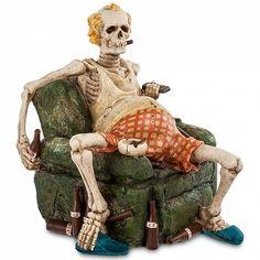 Картинки по запросу скелет лежит на диване