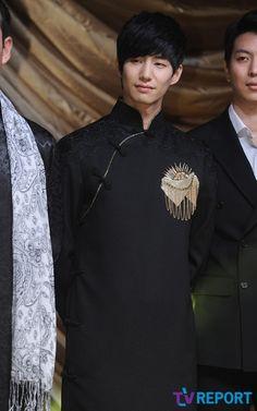 Song Jae Rim as 'Mo Il-hwa' - Inspiring Generation Asian Actors, Korean Actors, Korean Idols, Korean Dramas, Kdrama, Inspiring Generation, Song Jae Rim, Watch Korean Drama, Korean Fashion Men