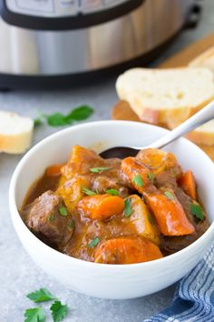 The Best Instant Pot Beef Stew, filled with tender pieces of beef, potatoes and carrots in a rich and flavorful broth. This pressure cooker beef stew is a quick and easy twist on the classic recipe. One of our favorite healthy homemade family dinners! Making Beef Stew, Easy Beef Stew, Instant Pot Beef Stew Recipe, Instant Pot Dinner Recipes, Pot Recipe, Instant Recipes, Pressure Cooker Beef Stew, Easy Pressure Cooker Recipes, Pressure Cooking