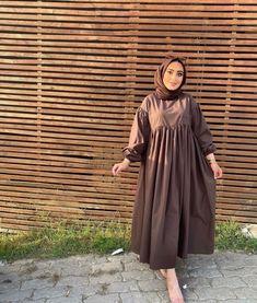 Hijab Chic, Duster Coat, High Neck Dress, Jackets, Dresses, Fashion, Turtleneck Dress, Down Jackets, Vestidos