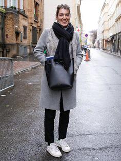 【ELLE】グレー、ブラック、ホワイトで叶える冬のパリ色|エル・オンライン