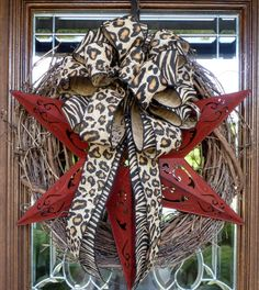 GRAPEVINE Wreath with Red Star and ANIMAL PRINT by decoglitz