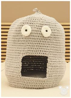 Cat shapped cat house bed crochet t-shirt yarn