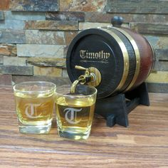 Personalized 1.5 lt Whiskey Barrel w/ 2 tumblers Groomsmen