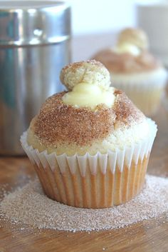Recipe For Doughnut Muffins with Vanilla Pastry Cream - Ridiculously adorable. So crazy easy to make. Taste AMAZING