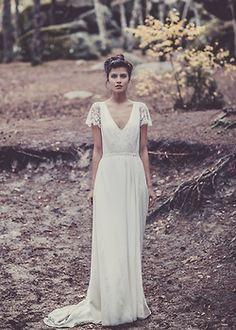 Earthy, Woodsy, Elegant and classic - Vintage Bridal - Vintage Wedding Dress - Vintage Bride