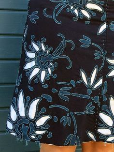 ranja handmade: Alabama Chanin Style like this color way Alabama, Sashiko Embroidery, Embroidery Applique, Embroidery Techniques, Sewing Techniques, Diy Clothing, Sewing Clothes, Sewing Alterations, Reverse Applique