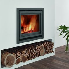 Browse a wide selection of inset stoves, ideal for smaller rooms, from Direct Stoves. Inset log burners & multi-fuel stoves at great prices. Inset Fireplace, Wood Burner Fireplace, Wood Burning Fireplace Inserts, Modern Fireplace, Fireplace Wall, Fireplace Design, Cosy Fireplace, Wood Burning Stove Insert, Modern Wood Burning Stoves