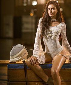 Renda-se a esse body bordado com lindíssimas mangas flare!  #touche #body #renda  R$13990 (Forrado e com bojo)  FRETE GRÁTIS para todo Brasil!
