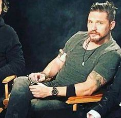 Tom Hardy so hot omg just let me love you