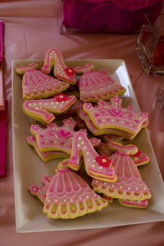 Madeleines Princess Party :: cookies.jpg picture by pisforparty - Photobucket