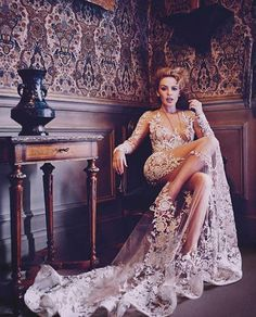 O rochie splendida purtata de Kylie Minogue! #wow #kylieminogue #wedding  #dress #stunning #special #details
