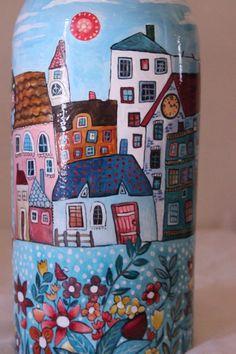 Ho dipinto questa bottiglia di vetro ispirandomi ai quadri di Karla Gerard.