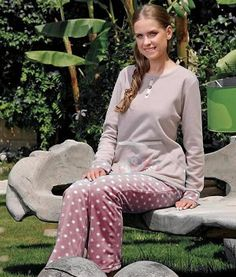 Polka Dot Pajama. A rich and cozy flannel pajama, with a beautiful heart-shaped owl design, wood like buttons and pink polka dot pants. The material is super soft and warm, very comfortable, the sleeves and bottom-back part of the top are cuffed with polka dots.