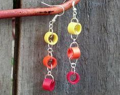 Artículos similares a Violet Flower Filigree Earrings / Paper Quilling Jewelry en Etsy