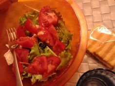 Tomato brie salad! #it#salad#tomato#brie#fr#green#red#white#italianflag#healthly _ after #easter #pasqua #2014 #ilovecook#amocucinare#ilovefood#amomangiare#simangia#dolce#sweet#food#cibo#foodpin#seguire#followus#yummi#omg#delizia#delicious#break#snack#homemade#incasa#diet#dieta#ricettefacili#easyrecipes#IT#personal#suggestions#love#Al #pinterest 1slice