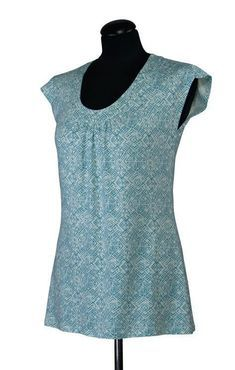 Knitting Patterns Women Sewing patterns, instructions for cutting source patterns, garment patterns, sewing ideas, fabrics … Knitting Patterns, Sewing Patterns, Sewing Ideas, Crochet Patterns, Diy Kleidung, Make Your Own Clothes, Blouse Models, Diy Shirt, Top Pattern