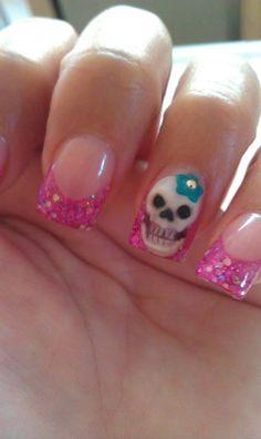 Skull Nail Designs to Rock the Season Sugar Skull Nails Skull Nail Designs, Skull Nail Art, Fingernail Designs, Great Nails, Love Nails, Pink Nails, Sugar Skull Nails, Sugar Nails, Sugar Skulls